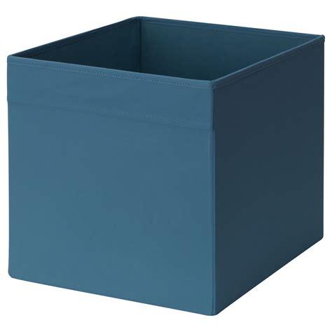 aufbewahrungsboxen für kleidung grau gelb muster in wandfarbe