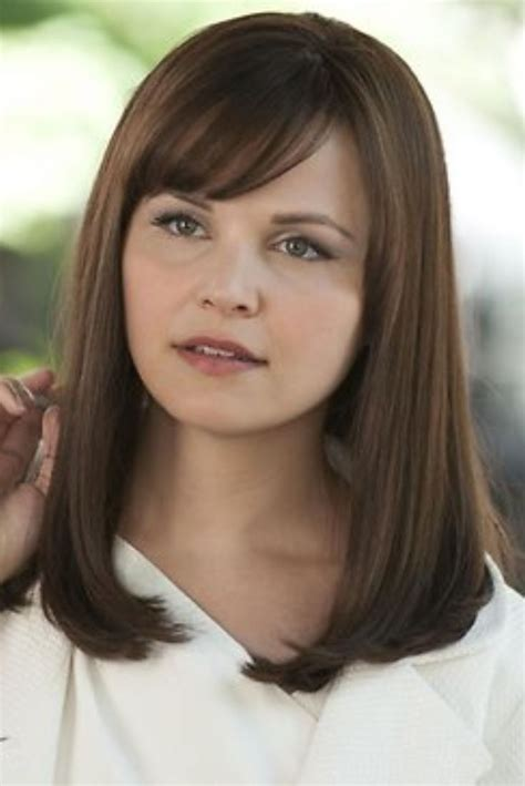 a symetric hair cut round face 22 best leading lady series ginnifer goodwin as rachel