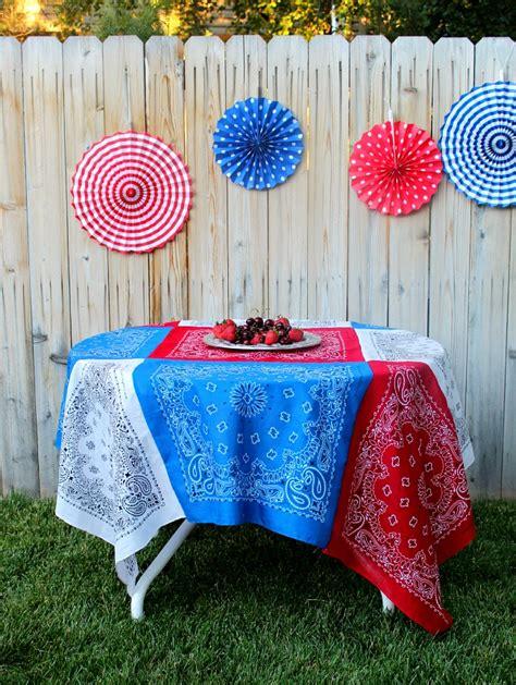 Patchwork Tablecloths - bandana patchwork tablecloth diy project dinner