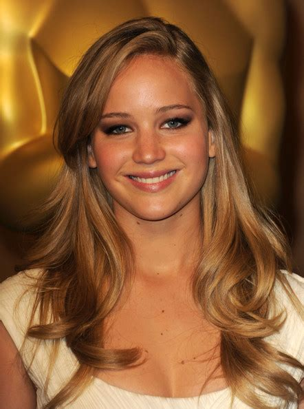 jennifer lawrence hair co or for two toned pixie the gallery for gt jennifer lawrence blonde hair