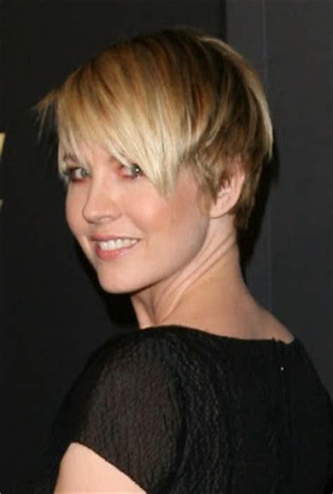 dharmas haircut jenna elfman 2011 haircut all actress hollywood