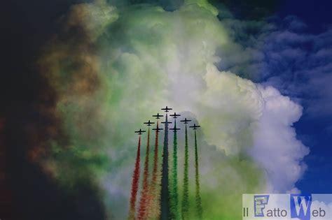web giardini naxos le frecce tricolori sfrecciano nel cielo di giardini naxos
