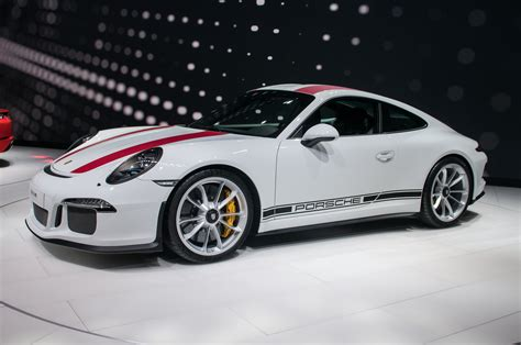porsche 911 r 2016 porsche 911 r packs 500 hp and a manual motor trend