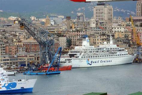 notizie sul porto di genova pontone con mega gru nel porto di genova galleria