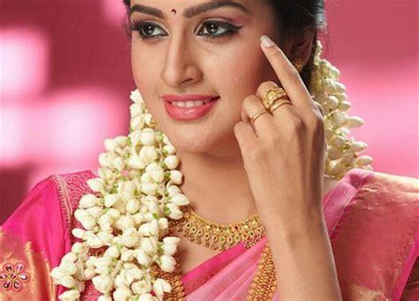 actress tanya ravichandran grand daughter  hd