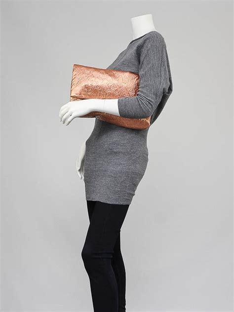 In Hilary Duffs Closet Louis Vuitton Limelight Clutch by Louis Vuitton Saumon Monogram Limelight Clutch Bag Yoogi