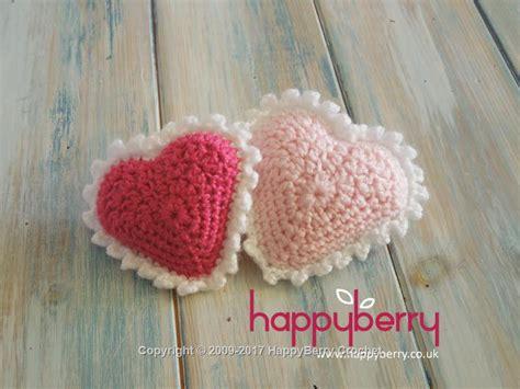 free crochet heart pattern uk padded crochet heart happyberry