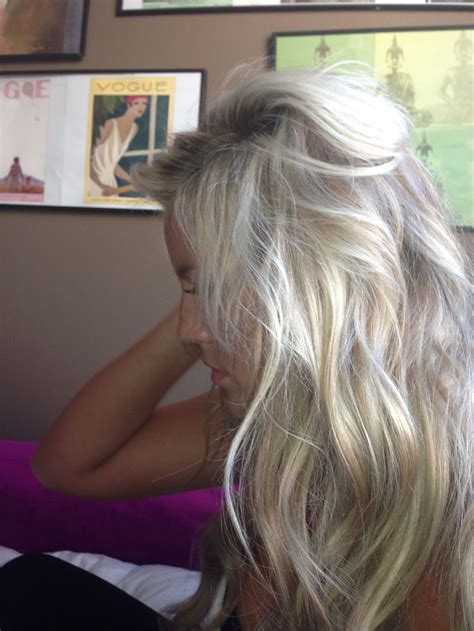 chigon blonde highlights 25 best ideas about messy blonde hair on pinterest wavy