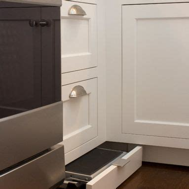 Toe Kick Step Stool by Toe Kick Step Stool Kitchen Design Ideas Pictures Remodel And Decor