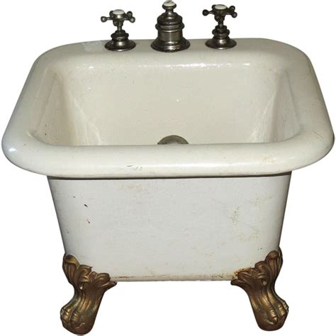 Cast Iron Porcelain Ball Claw Child Baby Foot Bath Tub From