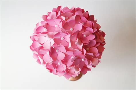 how to make diy paper flower pom wedding centerpieces