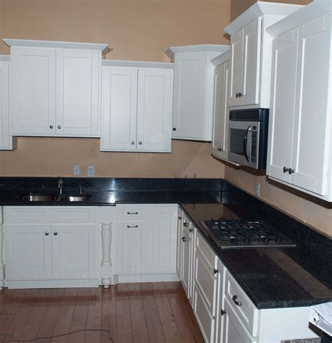 White Shaker Kitchen Cabinets by White Shaker Rta Cabinets Knotty Alder Cabinets