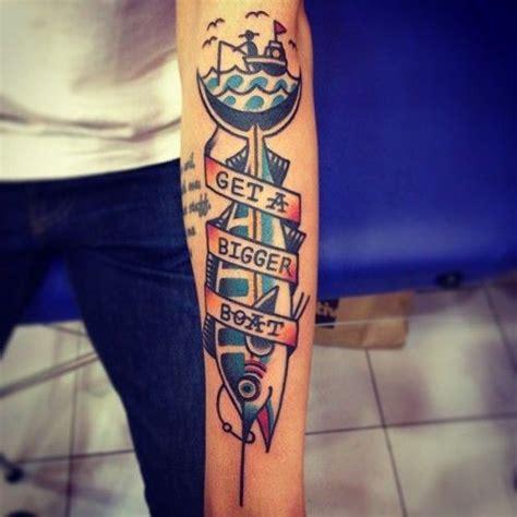 tattoo ikan di kaki cara desain 20 tattoo ikan dengan style berbeda beda