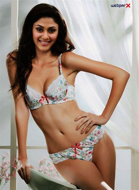 actress bollywood hot bikini bollywood actresses in bikini bollywood actress hot bikini