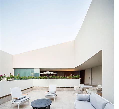 10 Agi Floor - wall house du cabinet agi architects a khaldiya koweit