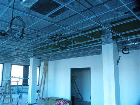 Ossature Faux Plafond by Page Faux Plafonds Avec Photos Berger Plafond Cloison
