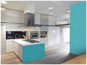 lovely Repeindre Une Cuisine En Bois #5: couleur-celadon-dans-une-cuisine-americaine-design.jpg