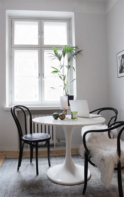 tulip table and chairs ikea black bentwood chairs nooks bentwood chairs and