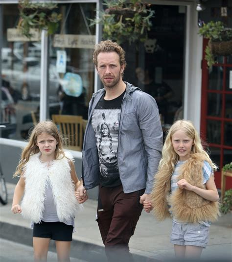 chris martin and gwyneth paltrow kids chris martin and coldplay support gwyneth paltrow s
