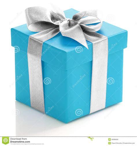 imagenes reflexivas de regalo caja de regalo azul con la cinta de plata foto de archivo