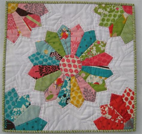 quilt pattern dresden plate free 32 best images about dresden plate quilts on pinterest