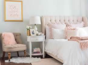 light pink bedroom 1000 ideas about pink master bedroom on pinterest teal