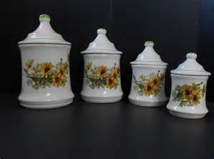 Sunflower Kitchen Canisters by Sunflower Canister Set Kitchen Canisters