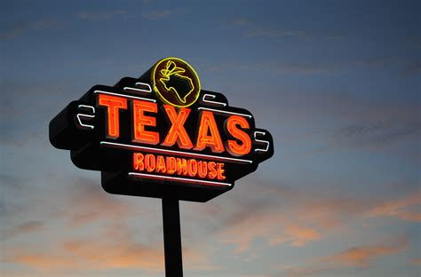text road house texas roadhouse serves up sangria to 2 year old girl consumerist