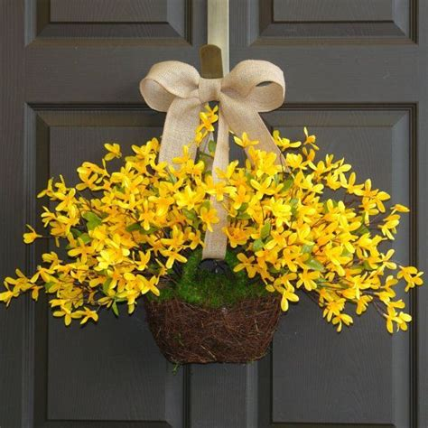 pictures of wreaths on doors google search debra s board best 25 forsythia wreath ideas on pinterest the