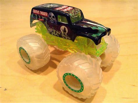 wheels monster truck grave digger 100 mini monster jam truck toys boy in his mini