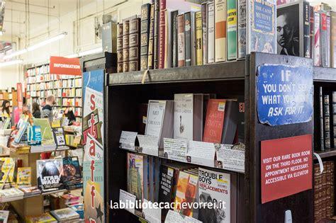 libreria pime libreria fatta con cassette