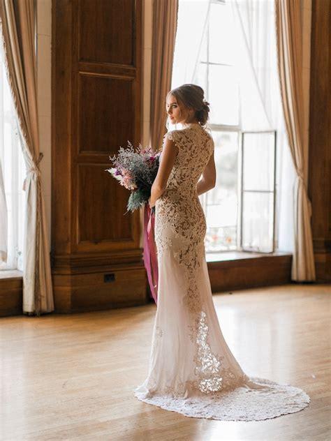 Marsala and Modern Los Angeles Wedding   MODwedding