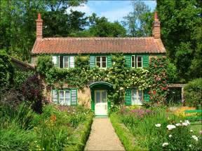 hoveton gardens norfolk broads