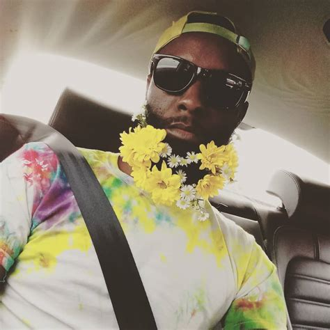 guys are decorating their beards with flowers to celebrate men have started decorating their beards with flowers for