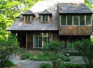artist lark upson s arts crafts style cottage in vermont