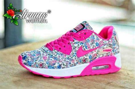 Harga Sepatu Nike Untuk Perempuan daftar harga sepatu nike terbaru all type murah terbaru