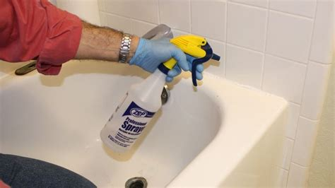 Tips For Caulking A Bathtub by 17 Best Images About Simple Solutions On To
