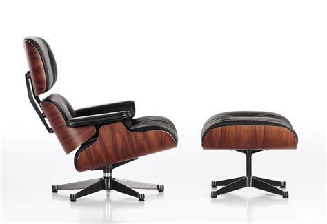 Eames 670 chair & ottoman designed by Charles & Ray Eames