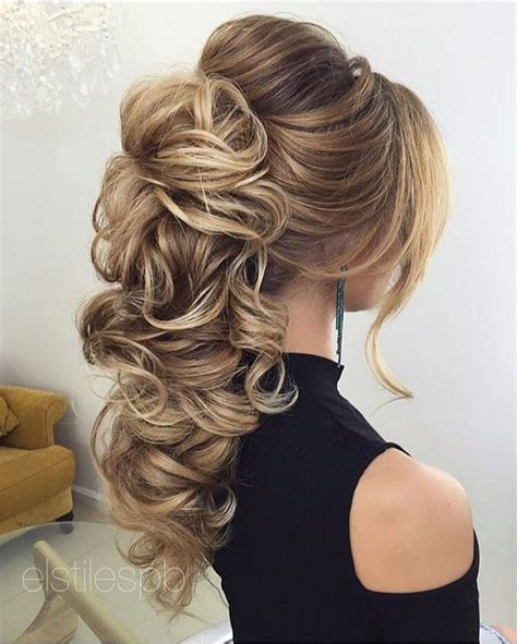 Wedding Hairstyles For The With Hair by The 25 Best Ideas About Wedding Hairstyles On