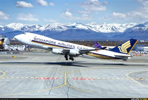 9v sfg singapore airlines cargo boeing 747 400f erf at anchorage ted intl kulis