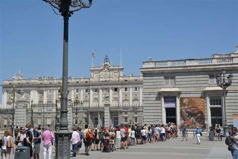 palacio real madrid entrada gratuita c 243 mo visitar gratis los museos de madrid mirador madrid