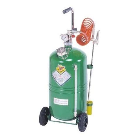 diventare giardiniere professionista nebulizzatori attrezzi da giardino