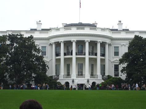 what is the white house white house garden tour mr wheaton goes to washington