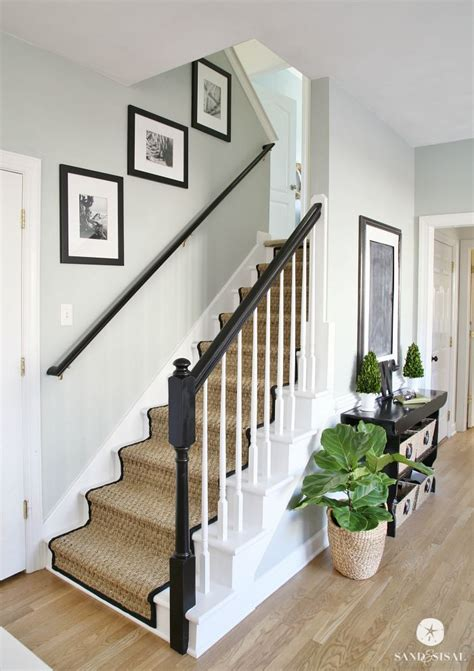 Stripping Paint From Wood Banisters by 25 Best Ideas About Painted Stair Railings On