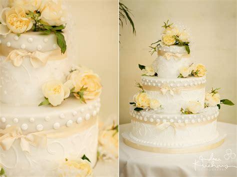 Hochzeitstorte Gelb by Hochzeitstorten Wedding Cakes 187 Andrea Kuhnis Photoplace
