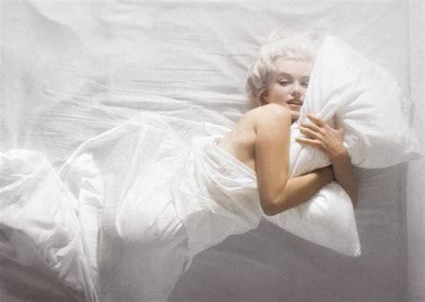 marilyn monroe bed marilyn monroe dead bed photos