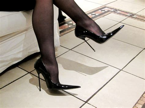 rosa high heels rosa high heel pointed stiletto court shoes in black paten