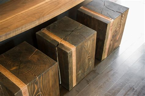 Tree Stump Bar Stools by How To Turn A Tree Into A Wooden Stool How Tos Diy
