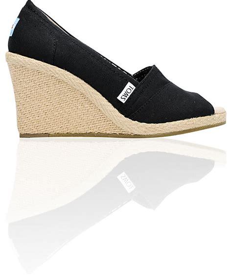 toms shoes wedge black canvas shoes at zumiez pdp