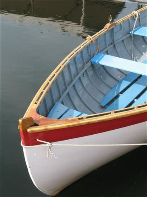 row boat en francais wooden row boat photo de the center for wooden boats